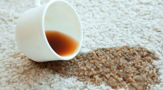 Halıdan Kahve Lekesi Nasıl Çıkar?